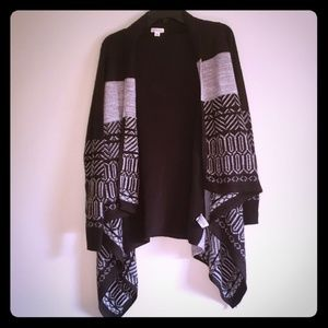 $3/25 Black & Gray Sweater with Casscade